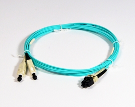 Fig.8 Patchkabel duplex LCPC-SCPC 50/125µm OM3 2.5m